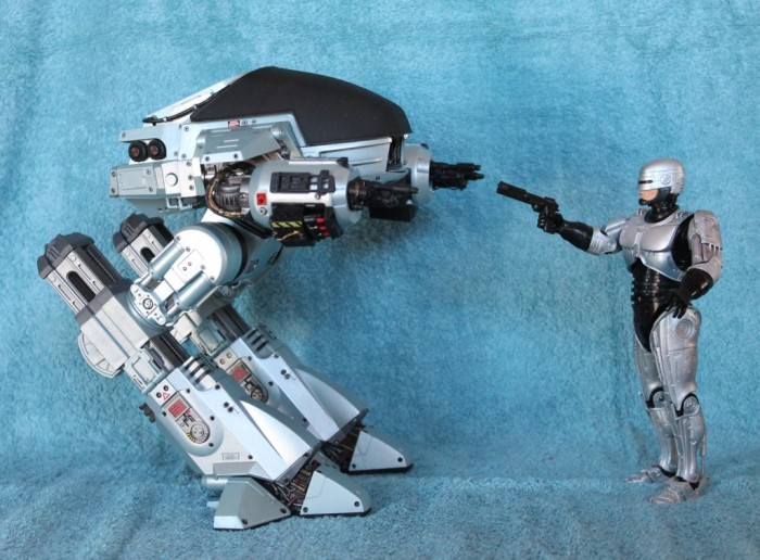 "Robocop Neca 7"" Scale ED-209 Figure Review"