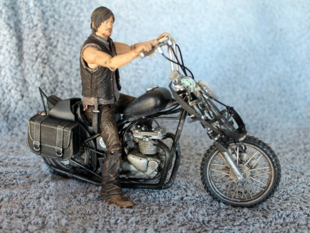 "The Walking Dead – McFarlane 5"" Daryl Dixon with Motorcycle Review – a guest post by BanzaiBoB"